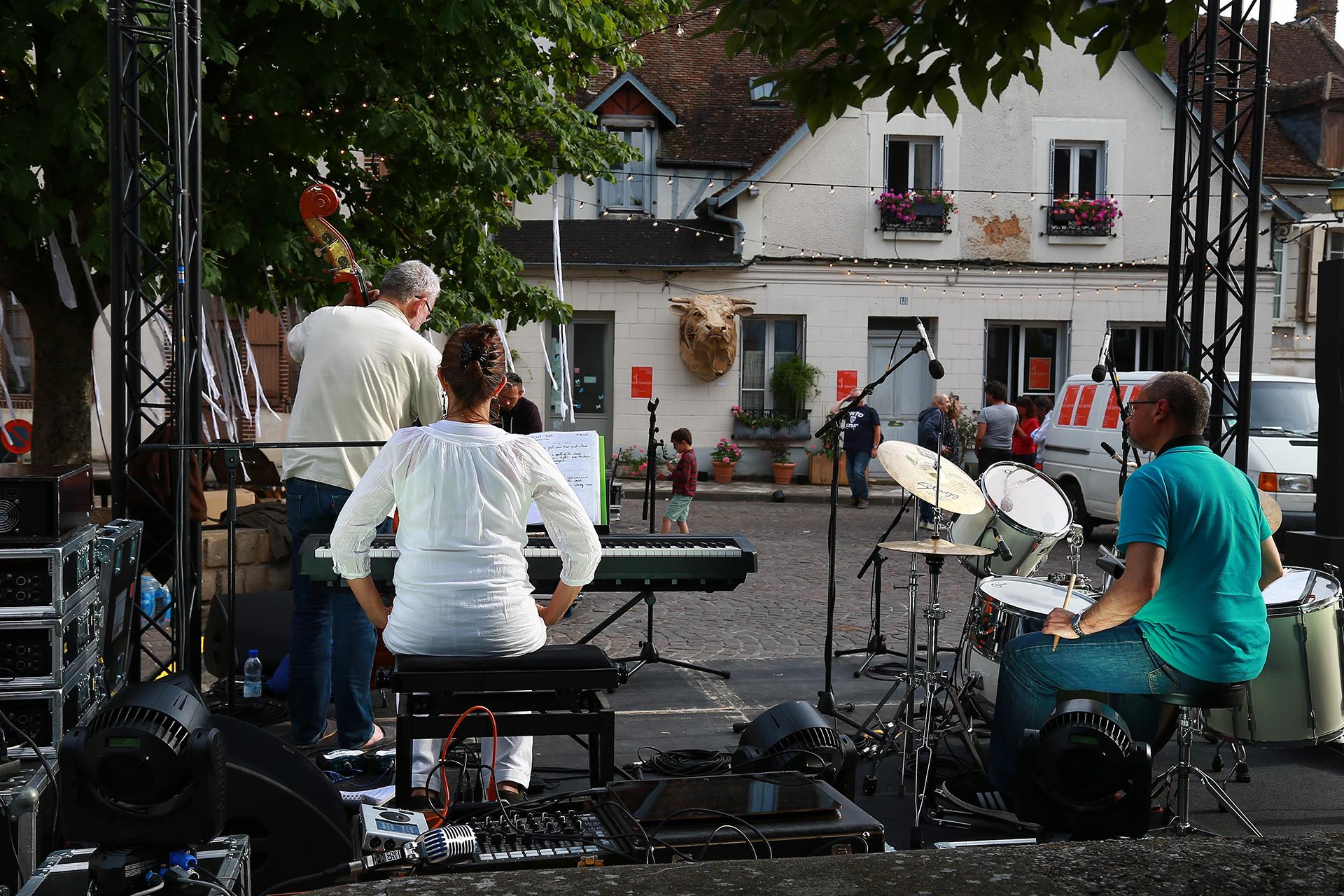 Concert sur la Place Saint-André - Joigny